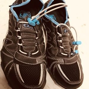 Body glove athletic shoes